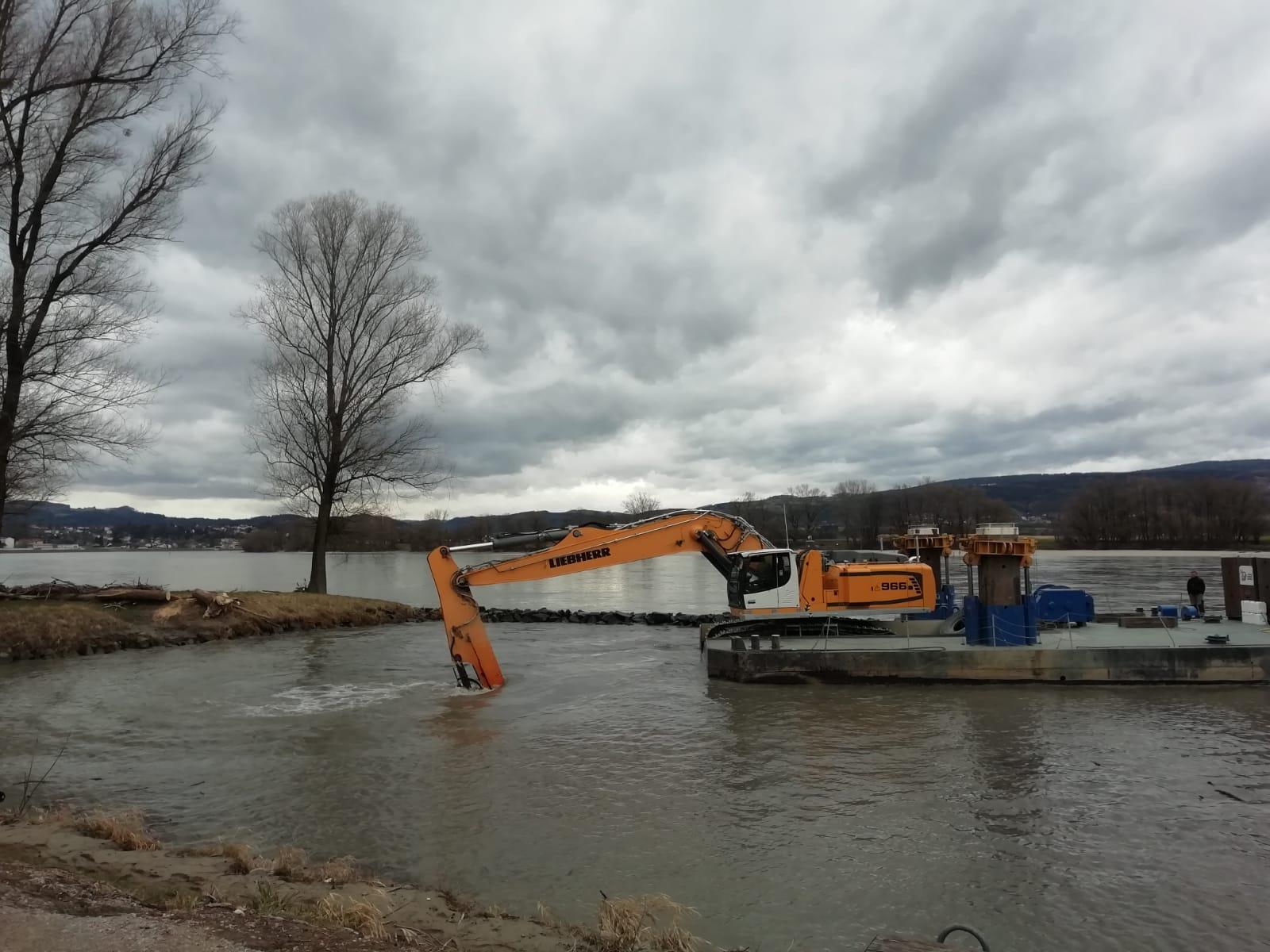 Ausbaggerung Hafenbecken